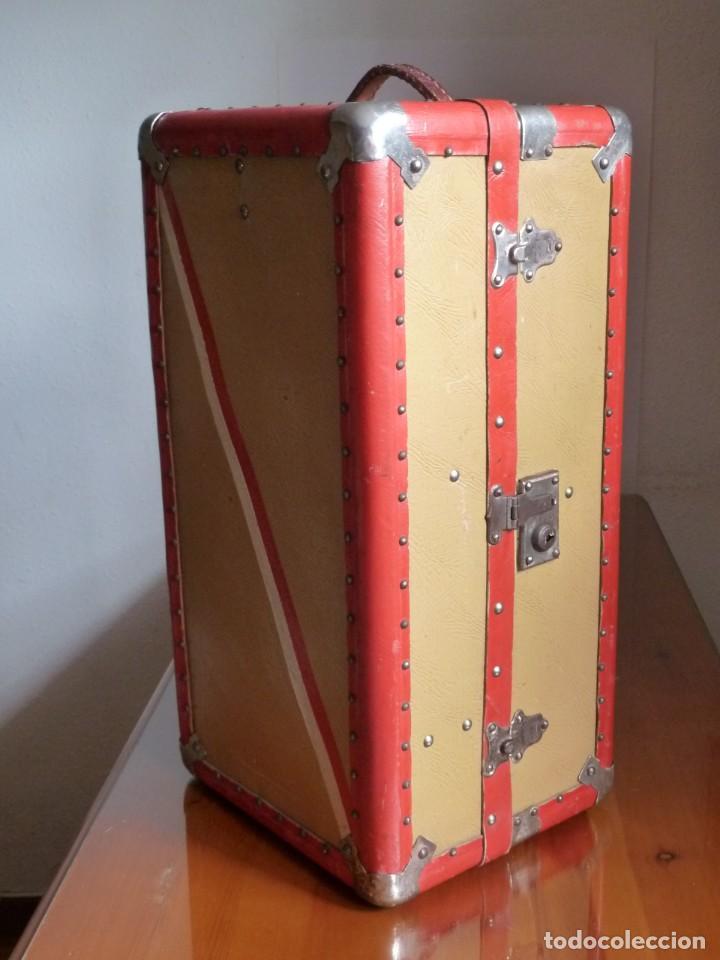 BAÚL DE MARIQUITA PERÉZ DE PRIMERA ÉPOCA (Juguetes - Vestidos y Accesorios Muñeca Española Clásica (Hasta 1960) )
