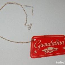 Vestidos Muñeca Española Clásica: ETIQUETA DE GUENDALINA DE FAMOSA,FINALES AÑOS 50. Lote 157086374