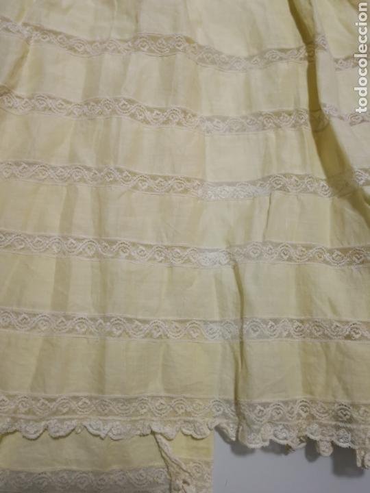 Vestidos Muñeca Española Clásica: ANTIGUO FALDON DE BEBE PARA MUÑECA - Foto 2 - 162512117