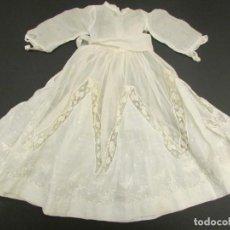 Vestidos Muñeca Española Clásica: VESTIDO S.XIX-XX EN ORGANZA BORDADA Y ENCAJE. Lote 164194902