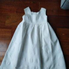 Vestidos Muñeca Española Clásica: VESTIDO ANTIGUO BATON PARA MUÑECA BISQUIT AÑOS 40.O 50 UNA PRECIOSIDAD!!....54. Lote 164912670