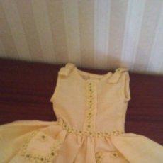 Vestidos Muñeca Española Clásica: VESTIDO PARA MUÑECA ANTIGUA ,TIPO GISELA CAYETANA ETC. Lote 174076263