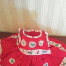 Vestidos Muñeca Española Clásica: VESTIDITO DE MUÑECA ANTIGUA AÑOS 50,TAMAÑO COMO PARA UNA CHELITO ,DINA ETC. Lote 174076419