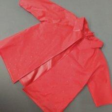 Vestidos Muñeca Española Clásica: CHUBASQUERO ROJO - MARIQUITA PEREZ GRANDE. Lote 182363068