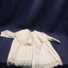 Vestidos Muñeca Española Clásica: VESTIDO CUELLO AMPLIO PUÑOS GANCHILLO MUCHA CALIDAD MUÑECA ESPAÑOLA EXTRANJERA CLASICA PPIO S XX 43C. Lote 193324303