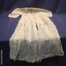 Vestidos Muñeca Española Clásica: VESTIDO CUELLO AMPLIO PUÑOS GANCHILLO MUCHA CALIDAD MUÑECA ESPAÑOLA EXTRANJERA CLASICA PPIO S XX 76C. Lote 193324758