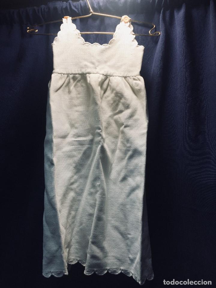 Vestidos Muñeca Española Clásica: VESTIDO ALGODON PIQUE DOS TIRANTES BEBE MUÑECA FALDON SE ATA POR DETRAS 54CMS AÑOS 40 50 - Foto 2 - 193888520