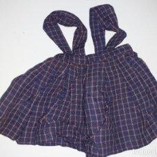 Vestidos Muñeca Española Clásica: PETO AZUL CON CUADROS (1026). Lote 194689995