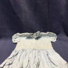 Vestidos Muñeca Española Clásica: VESTIDO MUÑECA ALGODON MANGA BOMBÉE PECHO PLISADO BORDADO 39X22CMS. Lote 199909708