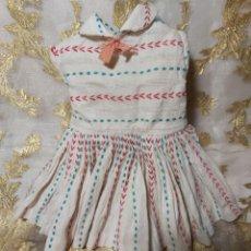 Vestidos Muñeca Española Clásica: VESTIDO 100 POR 100 ORIGINAL DE LA MUÑECA PITUSA HERMANA MAYOR DE CAYETANA. Lote 205079918