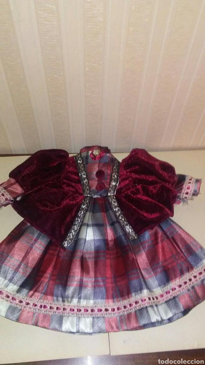 Vestidos Muñeca Española Clásica: Vestido de muñeca de porcelana ,es un tamaño como el de Nancy aproximadamente ,se conseva perfecto . - Foto 2 - 208385038