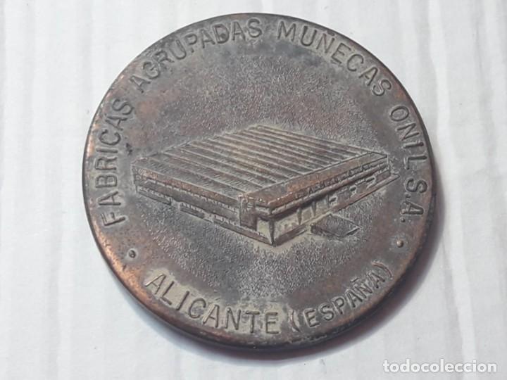 Vestidos Muñeca Española Clásica: Medallas Conmemorativas Fábrica Muñecas - Foto 4 - 212235151