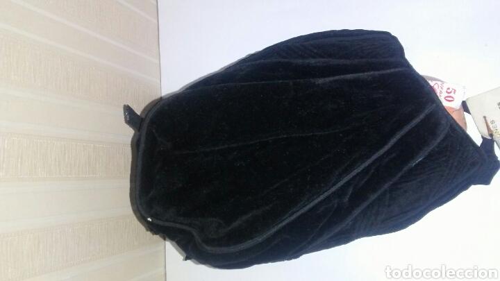 Vestidos Muñeca Española Clásica: Capota infantil de terciopelo negro,es de los años 60,sirve para muñeca .Leer descripcion. - Foto 3 - 219490796