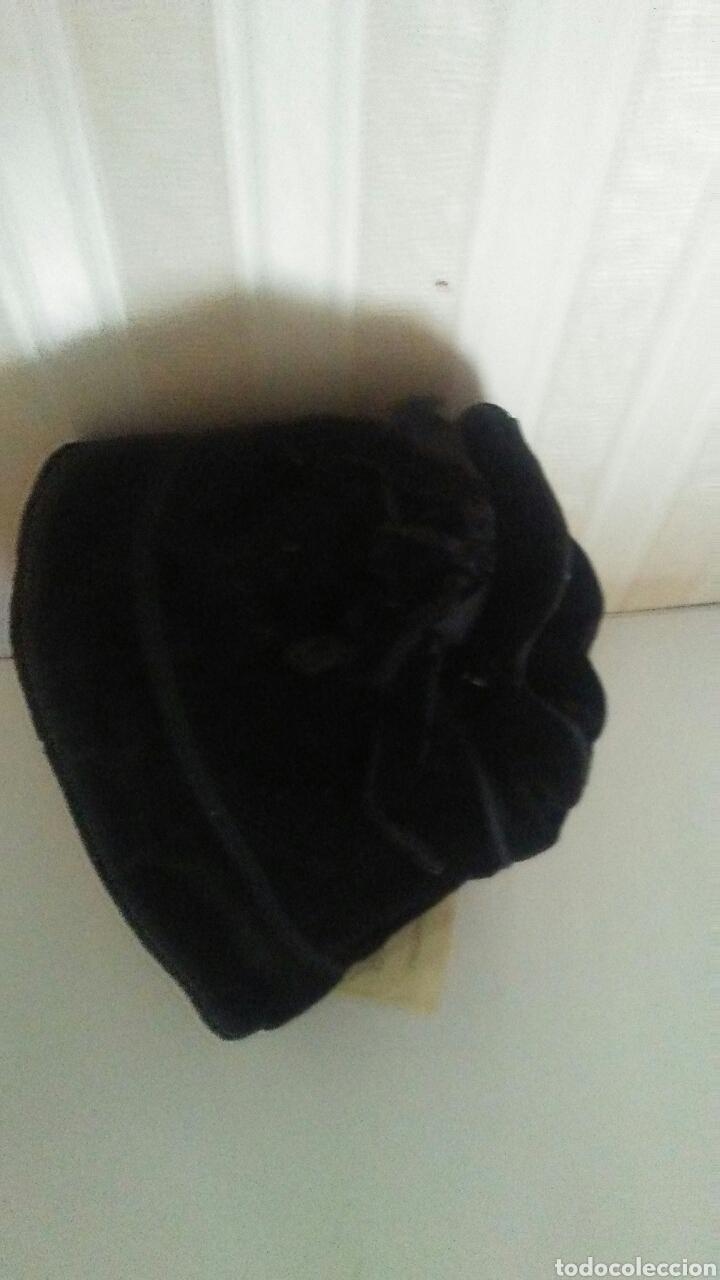 Vestidos Muñeca Española Clásica: Capota infantil de terciopelo negro,es de los años 60,sirve para muñeca .Leer descripcion. - Foto 4 - 219490796