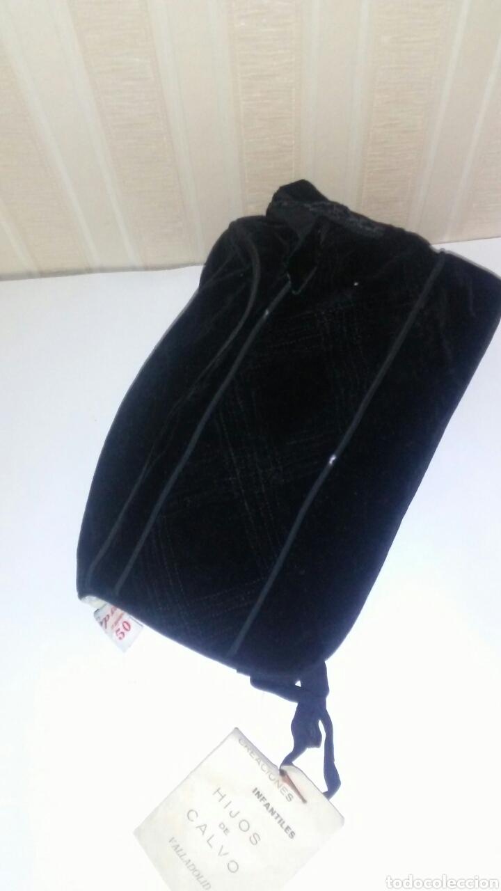 Vestidos Muñeca Española Clásica: Capota infantil de terciopelo negro,es de los años 60,sirve para muñeca .Leer descripcion. - Foto 5 - 219490796