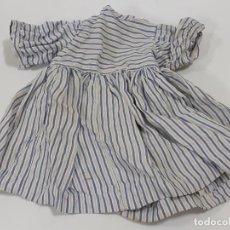 Vestidos Muñeca Española Clásica: VESTIDO MANGA CORTA A RAYAS AZULES TAL VEZ MARIQUITA O GISELA (3412). Lote 221556370