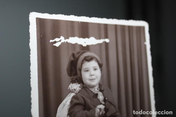 Vestidos Muñeca Española Clásica: antigua foto de niño con traje Saloio de Vila Franca de Xira - año 1954 - Portugal - Foto 2 - 224791857