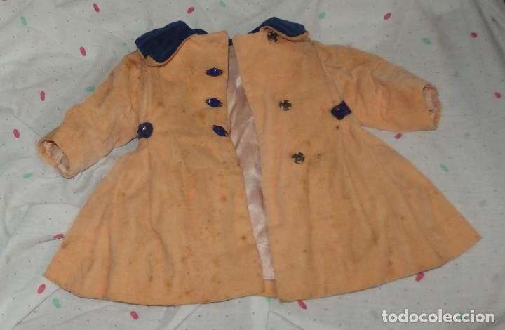 Vestidos Muñeca Española Clásica: ABRIGO DE TERCIOPELO,CON CURIOSOS BOTONES,DE MARI PEPA,AÑOS 40 - Foto 2 - 226089225