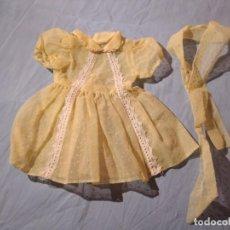 Vestidos Muñeca Española Clásica: ANTIGUO VESTIDO Y LAZO,PARA MUÑECA TAMAÑO MARIQUITA PEREZ Y SIMILARES.AÑOS 50/60. Lote 234126665