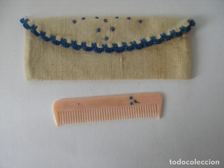 Vestidos Muñeca Española Clásica: Conjunto de peine con bolsita Mariquita Perez años 40 - Foto 2 - 191970397