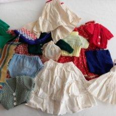 Vestidos Muñeca Española Clásica: LOTE ROPA MUÑECA ESPAÑOLA CLÁSICA. AÑOS 50 60. LILI Y OTRAS. Lote 242109300