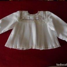 Vestidos Muñeca Española Clásica: CAMISA PLISADA CON PUNTILLA PARA MUÑECA. Lote 247221705