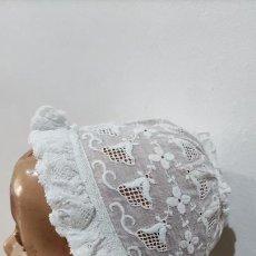 Vestidos Muñeca Española Clásica: ANTIGUO GORRO PARA MUÑECA. Lote 265188859