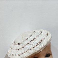 Vestidos Muñeca Española Clásica: ANTIGUA BOINA GORRO PARA MUÑECA. Lote 265978888