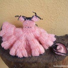 Vestidos Muñeca Española Clásica: TRAJE DE FARALAES DE GANCHILLO PARA MUÑECA, AÑOS 50. Lote 267824834