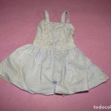 Vestidos Muñeca Española Clásica: ANTIGUO VESTIDO DE MUÑECA ESPAÑOLA CLÁSICA TIPO TERESIN, CAYETANA DE UNOS 45 CM. DE ALTURA. Lote 270235723
