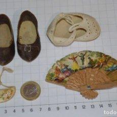 Vestidos Muñeca Española Clásica: ABANICO, ZAPATOS Y PEQUEÑO BOLSO - LOTE ANTIGUO ACCESORIOS MUÑECAS ¡MIRA FOTOS!. Lote 286806103