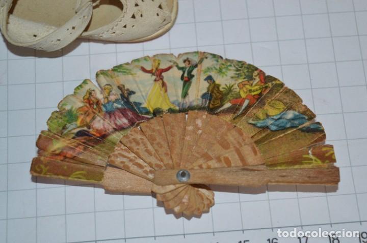 Vestidos Muñeca Española Clásica: ABANICO, ZAPATOS y pequeño BOLSO - Lote antiguo accesorios muñecas ¡Mira fotos! - Foto 4 - 286806103