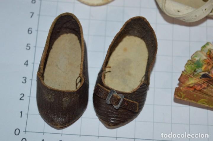 Vestidos Muñeca Española Clásica: ABANICO, ZAPATOS y pequeño BOLSO - Lote antiguo accesorios muñecas ¡Mira fotos! - Foto 17 - 286806103
