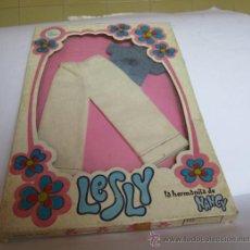 Vestidos Muñecas Españolas: TRAJE LESLY SPORT, REF 80515, EN CAJA. ( GA-33 ) CC. Lote 32325996