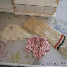 Vestidos Muñecas Españolas: BUFANDA Y CAMISETA PARA BABY MOCOSETE DE TOYSE. Lote 172961127