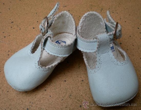 7fd06471b90 zapatos de bebé azules marca cuquito