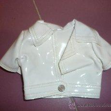 Vestidos Muñecas Españolas: CHAQUETA NANCY MODELO MINI SHORT REF 10 B ESTIQUETA Nº 33 FAMOSA ORIGINAL BLANCO. Lote 39195765
