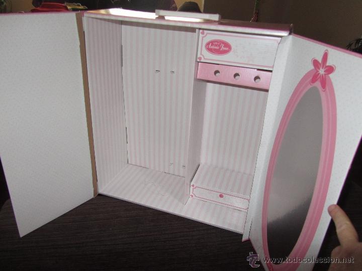 Caja armario de la mu eca farita de la casa an comprar - Armario para juguetes ...