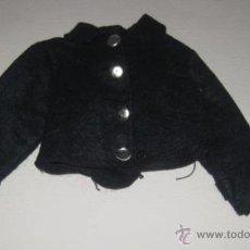 Vestidos Muñecas Españolas: CHAQUETA DEL UNIFORME DE AZAFATA DE LA MUÑECA NANCY ESTA EN MUY BUEN ESTADO, CONTODOS LOS BOTONES. Lote 38286496