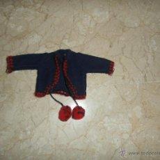 Vestidos Muñecas Españolas: FAMOSA - CHAQUETA ORIGINAL LESLY, DEL CONJUNTO IGUELDO 111-1. Lote 82650160