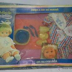 Vestidos Muñecas Españolas: CONJUNTO EL DÍA DE LAVADITO, MUÑECAS BB, CAJA COMPLETA, PERO CON RESTOS DE HUMEDAD EN EL CARTON.. Lote 43763932