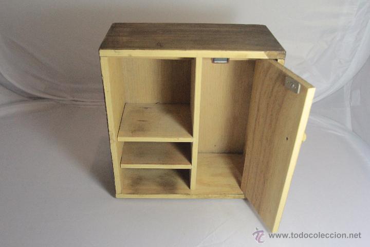 Armario para mu ecas en madera 24cm ref1000 comprar - Como construir un armario de madera ...