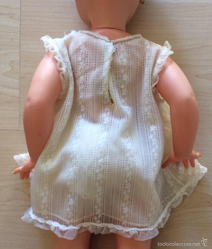 Vestidos Muñecas Españolas: Envío 6€. Salto de cama de muñeca PIERINA autentico. Se vende solo el vestido. - Foto 4 - 58118974