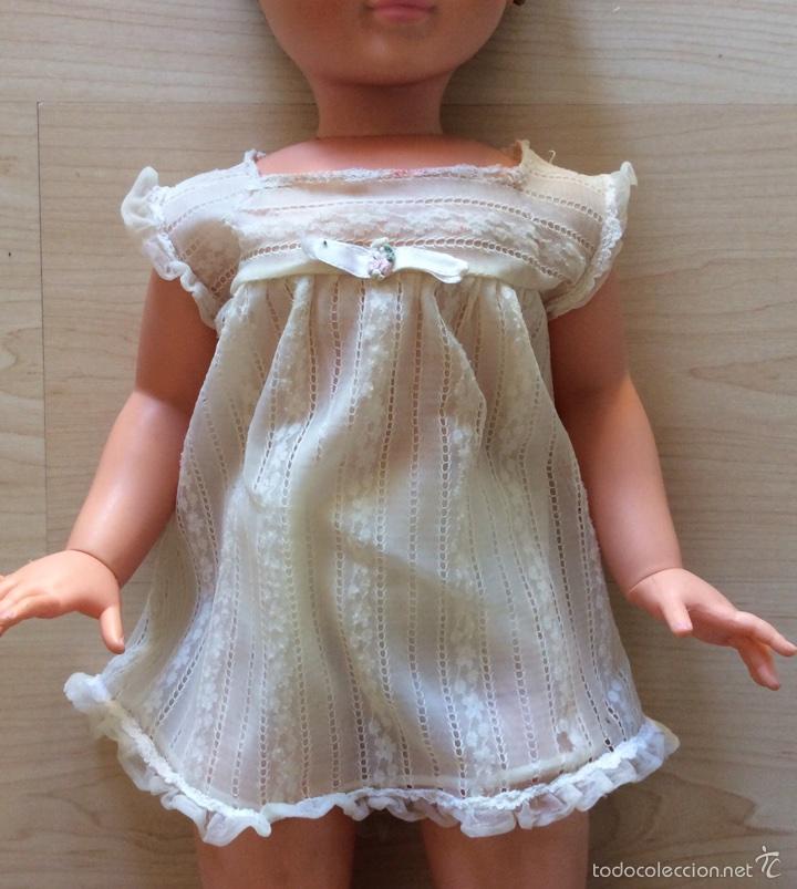 Vestidos Muñecas Españolas: Envío 6€. Salto de cama de muñeca PIERINA autentico. Se vende solo el vestido. - Foto 5 - 58118974