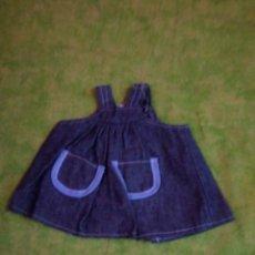 Vestidos Muñecas Españolas: FALDA VAQUERA CON BOLSILLOS COM 20CM. Lote 63493992