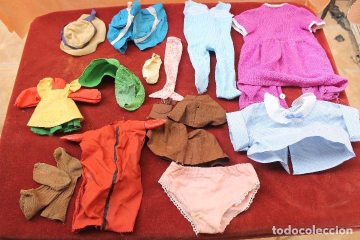 LOTE ROPA PARA MUÑECAS AÑOS 70-80 (Juguetes - Vestidos y Accesorios Muñeca Española Moderna)