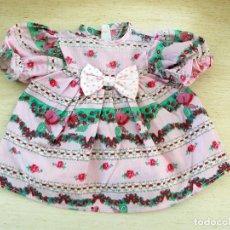 Vestidos Muñecas Españolas: VESTIDO BUEN ESTADO DEL TAMAÑO DE NENUCA GRANDE. Lote 82867800