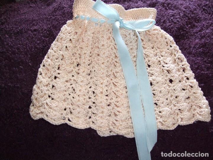 Vestido largo para muneca tejida a crochet