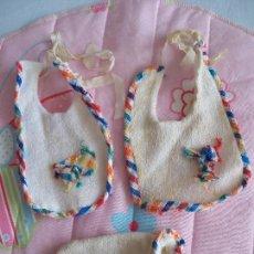 Vestidos Muñecas Españolas: BABY MOCOSETE EQUIPO TOALLITAS. TOYSE. Lote 87239352