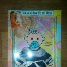 Vestidos Muñecas Españolas: VESTIDO CAJA BABY BEBE FEBER. Lote 97976754